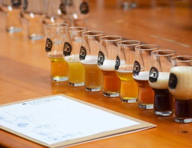 https://center.beer/wp-content/uploads/2021/05/v-ekaterinburge-opredelili-luchshih-mestnyh-proizvoditelej-piva-c1cae4f-640x493.jpg