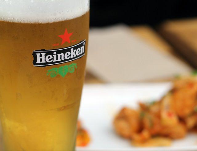 https://center.beer/wp-content/uploads/2021/08/prodazhi-heineken-v-rossii-vyrosli-na-4-6-v-pervom-polugodii-2021-goda-ac3cb12-640x493.jpg
